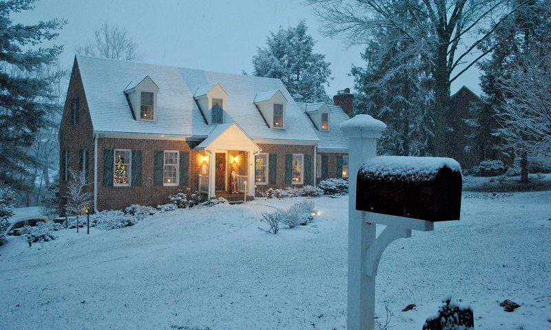 Tips to Maintain Your Landscape Lighting this Winter